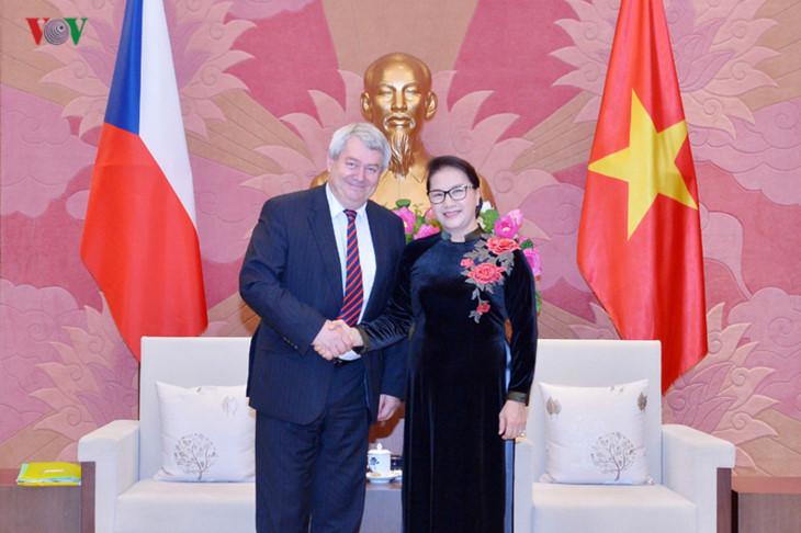 베트남 최초 여성 국회의장 체코 공화국 하원부주석 회견